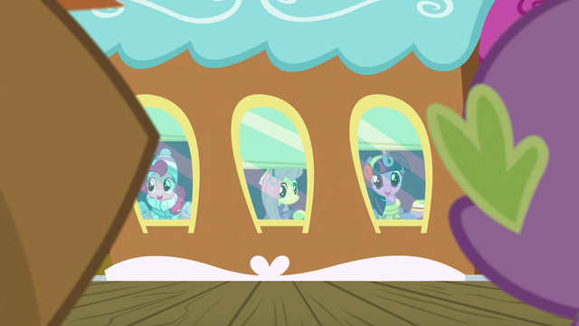 File:Pinkie, Fluttershy, and Twilight waving goodbye S6E17.png