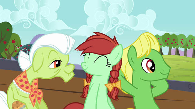 File:Granny Smith and relatives in the cart S3E8.png