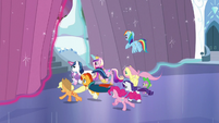 Ponies run off outside S6E2