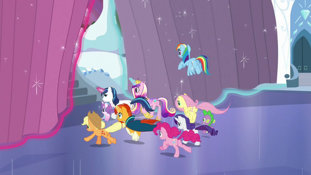 File:Ponies run off outside S6E2.png