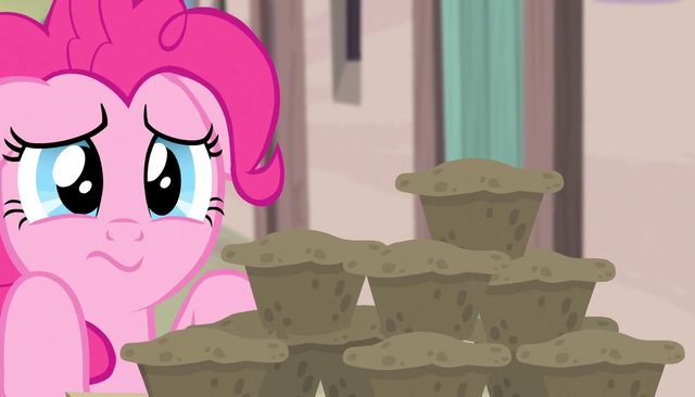 File:Pinkie worryingly eyeing plate of muffins S5E1.png