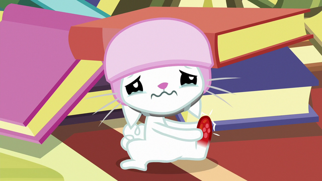 File:Angel Bunny about to cry S7E5.png