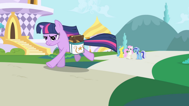 File:Twilight Sparkle running S01E01.png