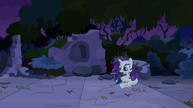 File:Rarity with messed up mane S4E03.png
