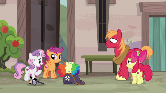 "File:Sweetie Belle ""we're pretty sure she likes you!"" S7E8.png"