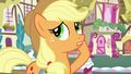 Applejack has twenty versions of the same hat S7E9.png