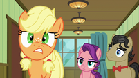 Young Applejack's eye twitches S6E23