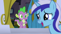 Minuette greets Spike S5E12.png