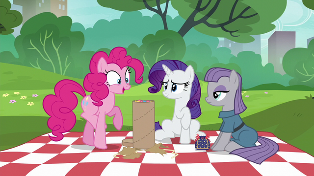 "File:Pinkie Pie ""this is incredible!"" S6E3.png"
