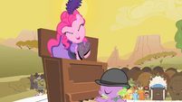 Pinkie Pie having fun S1E21