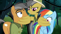 Daring covers Rainbow and Quibble's mouths S6E13