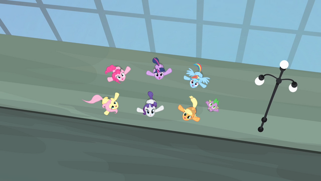 File:Main cast with their heads up S4E08.png