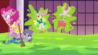 Pinkie Pie sails the sea of slime S5E7