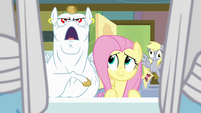 Derpy scared in background S04E10
