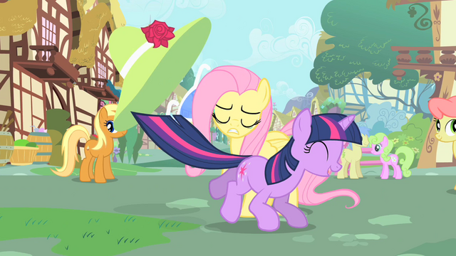 File:Prancing Twilight S1E20.png