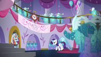 Rarity shuffles back to the sewing room S5E14