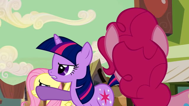 File:Twilight look girls S2E14.png
