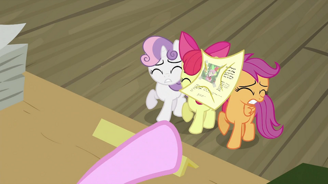 File:CMC being hit by paper S2E23.png
