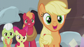 Apple family smiling at the Pies S5E20.png