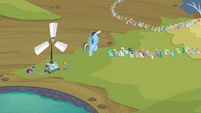 Rainbow Dash telling the pegasi S2E22