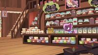 Tea salespony left alone in her store S7E12