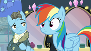 Wind Rider looks at Rainbow Dash S5E15