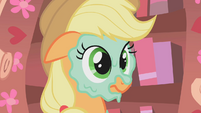 Applejack mud mask S01E08