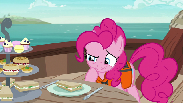 File:Pinkie inspecting a cucumber sandwich S6E22.png
