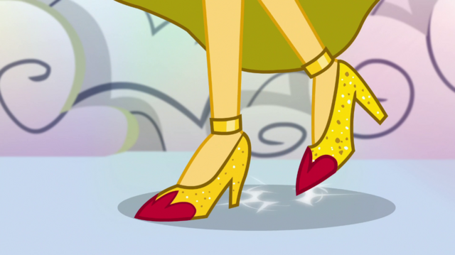 File:Sunset Shimmer tapping her shoes EGS1.png