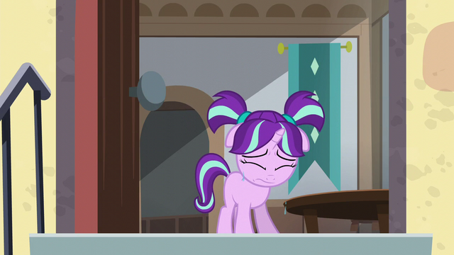 File:Filly Starlight drops a few teardrops S5E26.png