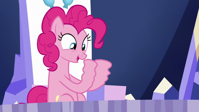 File:Pinkie Pie's hooves trembling S6E15.png