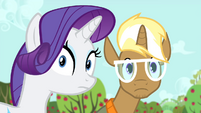 Rarity and Trenderhoof looking at Applejack S4E13
