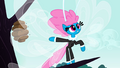 """Seabreeze """"what about those bees"""" S4E16.png"""