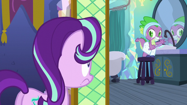 File:Starlight Glimmer lightly traumatized S6E1.png