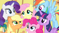 Fluttershy surrounded by her friends S4E14