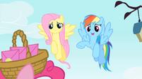 Rainbow Dash making an excuse S1E25