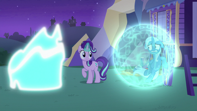 File:Thorax turning back to normal S6E25.png