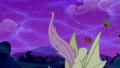Flutterbat bites the monster house S5E13.png