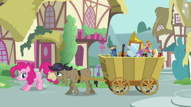 File:Pinkie Pie Annoying Cranky S02E18.png