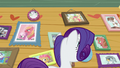 Rarity looking at right side of Crusaders' wall S7E6.png