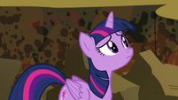 Twilight looking S4E26