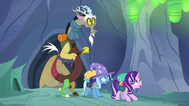 File:Discord, Starlight, and Trixie enter the hive S6E25.png