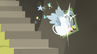 Teapot crashes into photo of Fluttershy and Discord S7E12