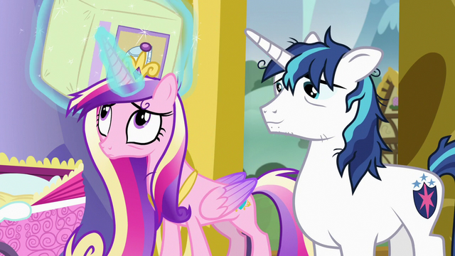 File:Princess Cadance levitating extra diapers S7E3.png