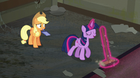 Twilight sweeping while repeating the word 'sweep' S6E9