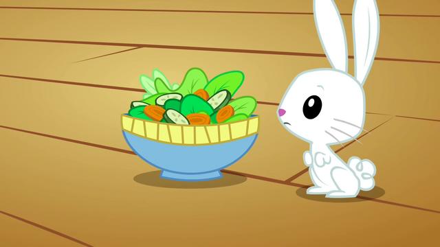 Datei:Angel salad S02E19.png
