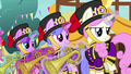 First row of trumpet blowers S7E15.png