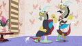 Discord giving himself a haircut S7E12.png