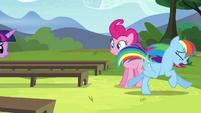 Rainbow running S4E21