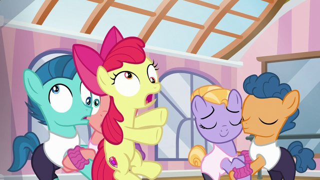 File:Apple Bloom crashes into pair of foals S6E4.png